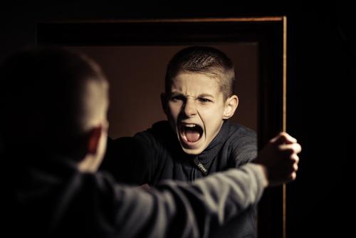نوجوان خشمگین