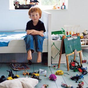 کودکی که دچار شب اداری و بیانظباطی است