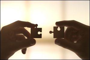 اولین رابطهای را که انسان تجربه میکند - دکتر آذردخت مفید